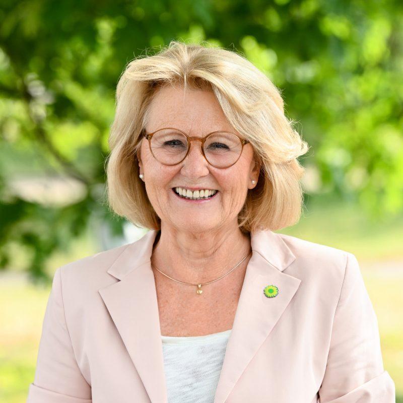 Angela Stein-Ulrich, Stellvertretende Fraktionsvorsitzende der GRÜNEN im Rhein-Kreis Neuss und Sprecherin für Soziales, Integration, Wohnen und sozialer Arbeitsmarkt
