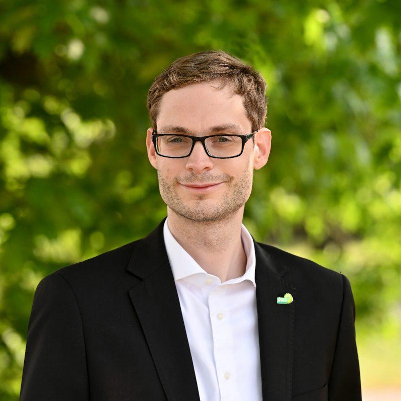 Simon Rock, Fraktionsvorsitzender der Grünen im Rhein-Kreis Neuss und Sprecher für Haushalt & Finanzen