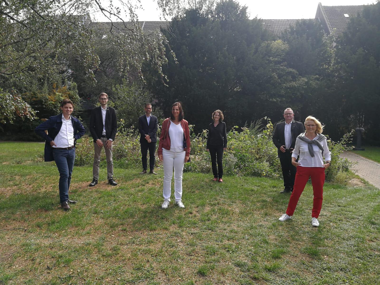 Katrin Göring-Eckardt zu Gast im Rhein-Kreis Neuss — GRÜNE besichtigen gemeinsam mit der GWG das Kolpingviertel inNeuss